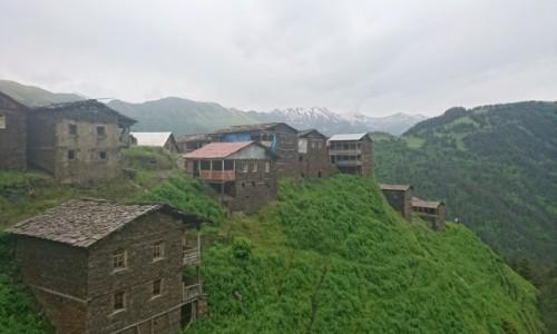 GRUZJA / Tuszetia / Trekking do opuszczonej wioski / Tuszetia - M�j Raj Konno i 4x4