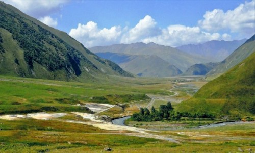GRUZJA / Kaukaz okr�g Mccheta-Mtianetia / Truso Travertines / Dolina Truso
