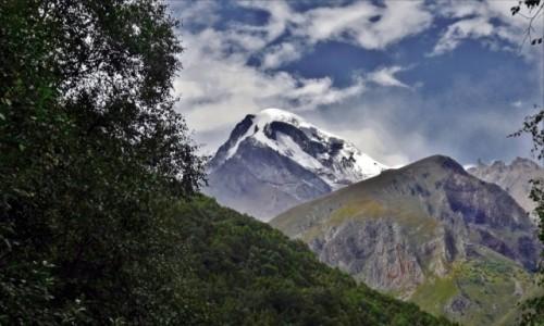 Zdjecie GRUZJA / Kaukaz okręg Mccheta-Mtianetia / Gergeti / Mt. Kazbek