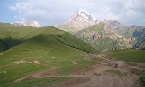 GRUZJA / Kaukaz / Kaukaz / Dogoni� marzenia.