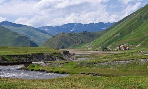 Zdjęcie GRUZJA / Mccheta-Tianetia / dolina Truso / W dolinie Truso