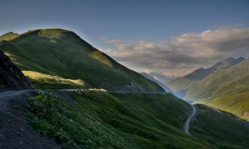 Zdjęcie GRUZJA / Chevsuretia / Chevsuretia / W drodze do Shatili