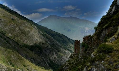 Zdjęcie GRUZJA / Chevsuretia / okolice wąwozu rzeki Ardotistkali / W drodze do Muco