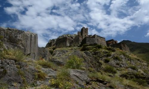 Zdjęcie GRUZJA / Chevsuretia / okolice wąwozu rzeki Ardotistkali / Muco