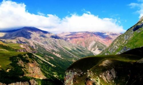 Zdjecie GRUZJA / Kaukaz / Okolice przełęczy Dżwarii / Górski widoczek