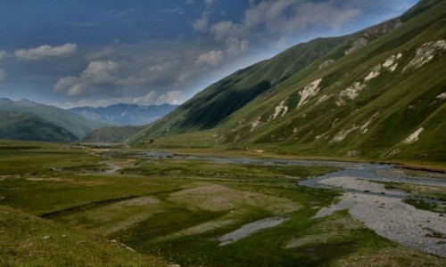 Zdjęcie GRUZJA / Kaukaz / Dolina Truso / W Dolinie Truso