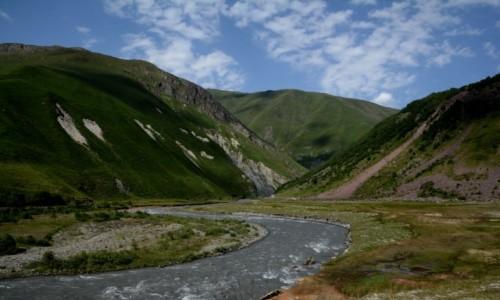 GRUZJA / Kaukaz / Dolina Truso / W Dolinie Truso