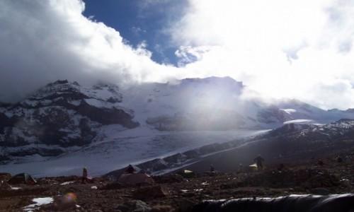 Zdjęcie GRUZJA / Kaukaz / okolice stacji meteo obok lodowca Gergeti / okolice stacji meteo obok lodowca Gergeti  wysokość 3680m.