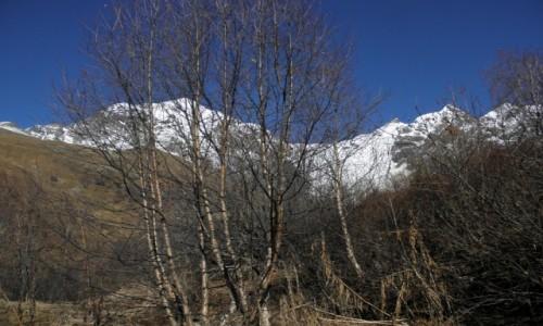 GRUZJA / Mergelia i Górna Swanetia / dolina Adishi / kaukazka dolinka