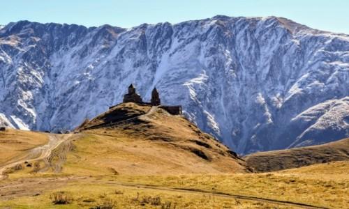 Zdjęcie GRUZJA / Kaukaz / Gruzja / Drzwi do Narnii...Kazbegi