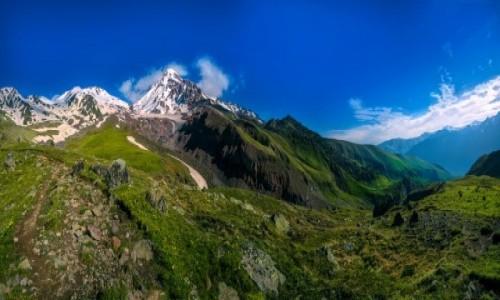 Zdjęcie GRUZJA / Kazbegi / Arsha Pass / Widok na Kazbek