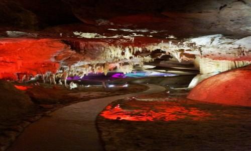 Zdjecie GRUZJA / kutaisi / jaskinia Prometeusza / kolor
