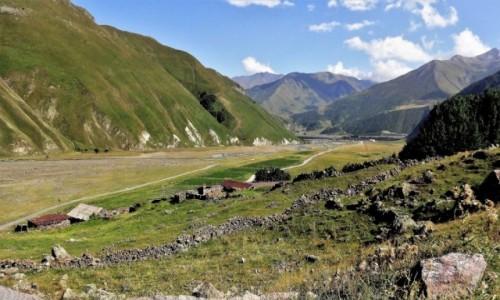 Zdjecie GRUZJA / Kaukaz okręg Mccheta-Mtianetia / droga do Truso / Dolina rzeki Tergi
