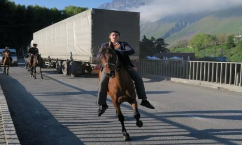 Zdjecie GRUZJA / gdzies w drodze / Kazbegi / koniu,powiadzasz ?