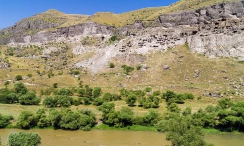 Zdjecie GRUZJA /  Samcche-Dżawachetia. / Wardzia / Skalne miasto Wardzia