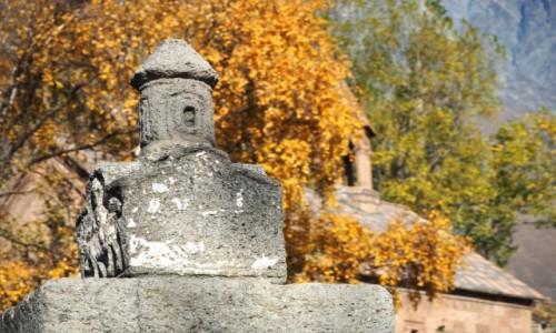 GRUZJA / Mccheta-Mtianetia / Stepancminda (Kazbegi) / Jesień w Kazbegi