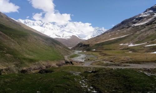 GRUZJA / Swanetia / Lodowiec Shkhara / W drodze na lodowiec Shkhara
