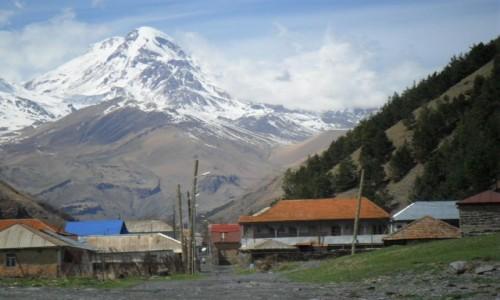 Zdjecie GRUZJA / Kaukaz / Snu / Widok na Kazbeg