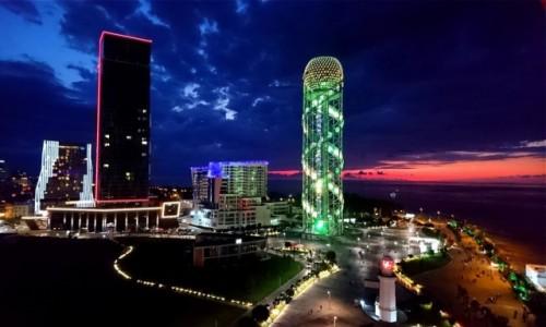 Zdjecie GRUZJA / Adżaria / Batumi / Batumi nocą