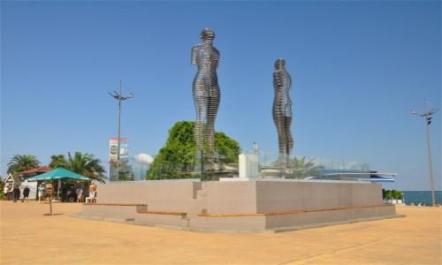 Zdjęcie GRUZJA / Adżaria / Batumi / Batumi, pomnik Ali i Nino