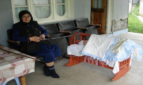GRUZJA / Kaukaz / W�w�z Pankisi / Kobieta w muzu�ma�skiej spo�eczno�ci Pankisi 5