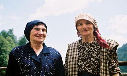 GRUZJA / Kaukaz / W�w�z Pankisi / Kobieta w muzu�ma�skiej spo�eczno�ci Pankisi 8