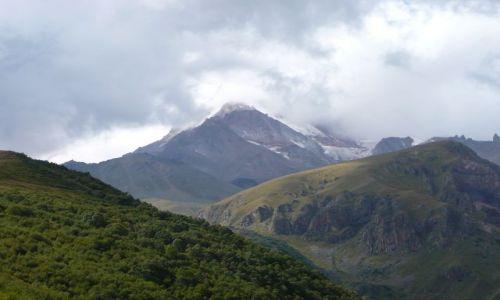 GRUZJA / Kaukaz / Kazbegi / Kazbek