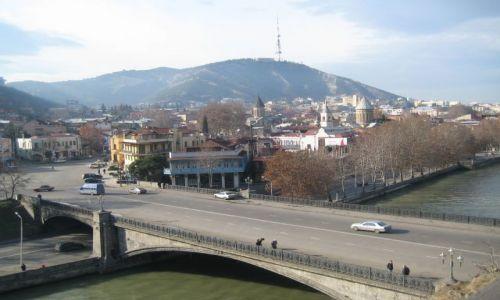 GRUZJA / brak / Tbilisi / Widok na stare miasto spod pomnika Wachtanga III