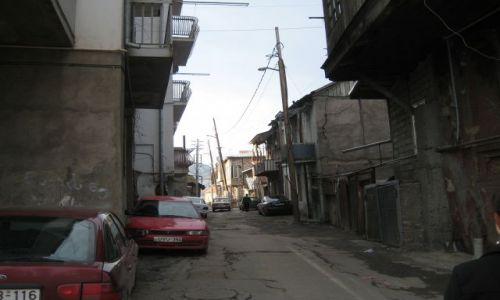 Zdjecie GRUZJA / brak / Tbilisi / Zakamarki Tbilisi, parę metrów od pałacu prezydenckiego...