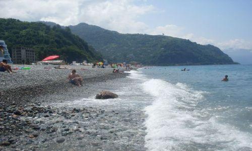 Zdjęcie GRUZJA / Adżaria / kilka km. na południe od Batumi... / na plaży... kamienistej....