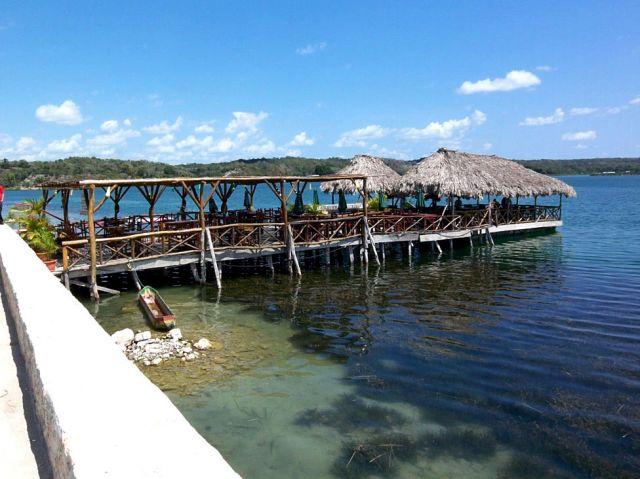 Zdjęcia: El Peten, knajpka na jeziorku, GWATEMALA
