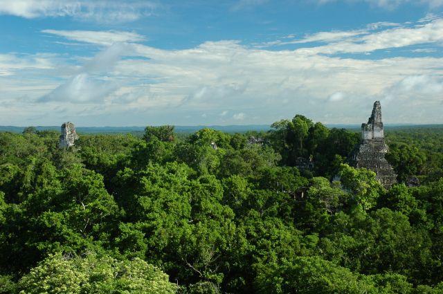 Zdjęcia: Tikal, El Peten, Templo II i I, GWATEMALA
