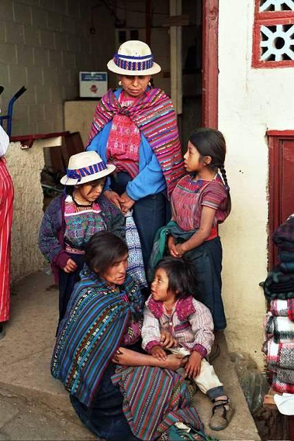 Zdj�cia: Todos Santos, Kobiety na targu, GWATEMALA