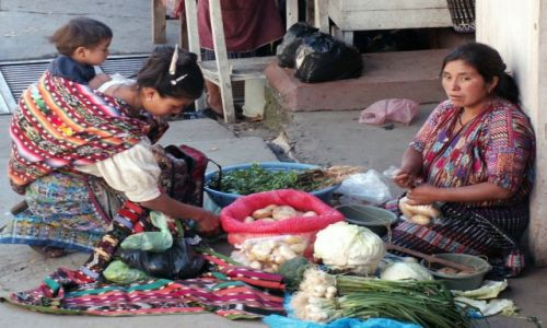 Zdjęcie GWATEMALA / - / Chichicastenango / Zakupy