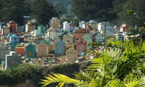 Zdjecie GWATEMALA / - / Okolice Chichicastenango / Oryginalny cmentarz