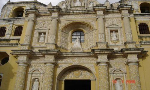 Zdjęcie GWATEMALA / Gwatemala / Antigua / Bogactwo architektoniczne