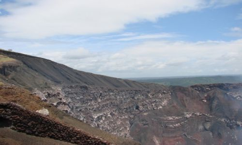 Zdjecie GWATEMALA / Interior / Interior / Brzeg krateru wulkanu Masaya