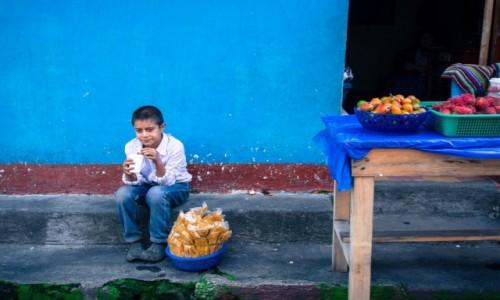 GWATEMALA / Jezioro Atitlan / Santiago / Magia kolorów