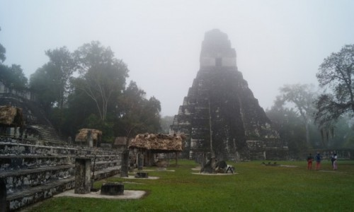 Zdjecie GWATEMALA / Tikal / Tikal / Mistycyzm o świcie