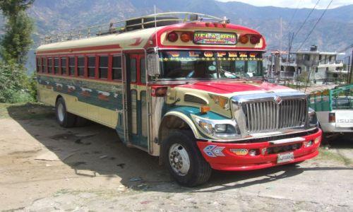 Zdjęcie GWATEMALA / Ameryka Srodkowa / Antigua-Guatemala / Autobus