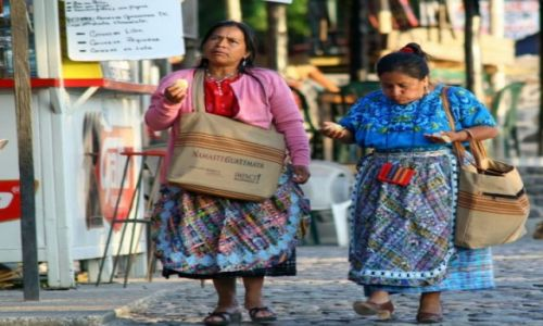 Zdjęcie GWATEMALA / Pachanachel / jezioro Atitlan / Genia smakuja Ci te polskie pierogi?