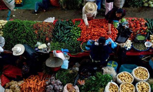 Zdjęcie GWATEMALA / Chichicastenango / Targ / Inna perspektywa