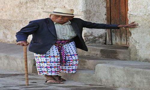 Zdjecie GWATEMALA / Lago de Atitlan / Santiago Atitlan / dziadzio w kapeluszu II