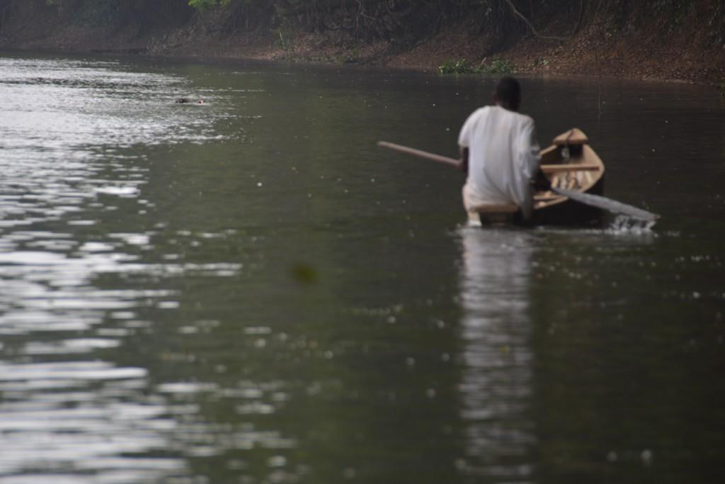 Zdjęcia: Rzeka Mbini, Centro Sur, Rzeka i wioślarz, GWINEA RÓWNIKOWA