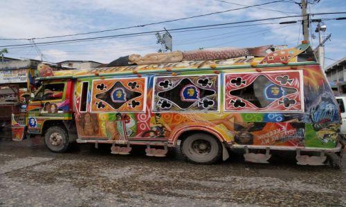 Zdjęcie HAITI / brak / Port au Prince / Tap tap - środek lokomocji+ wyraz artystycznej duszy właściciela