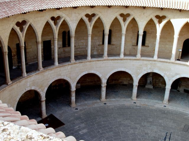 Zdjęcia: zamek Bellver , Poludnie Majorki, Majorka-Palma, HISZPANIA
