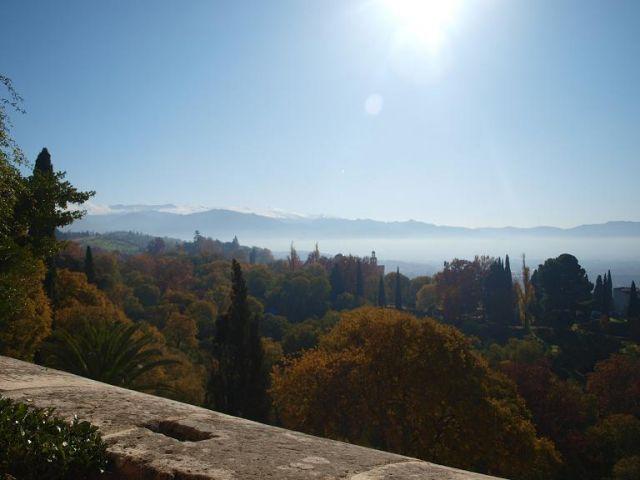 Zdjęcia: twierdza alhambra, grenada, widok na gory sierra nevada, HISZPANIA