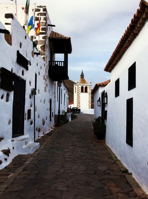Zdjęcia: Betancuria, Fuerteventura/Wyspy Kanaryjskie, Ulica Juana de Bethencourt, HISZPANIA