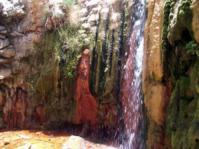 Zdjęcia: La Palma, Park Narodowy Caldera de Taburiente, Wyspy Kanaryjskie, Cascada de los Colores, Barranco de las Angustias, HISZPANIA