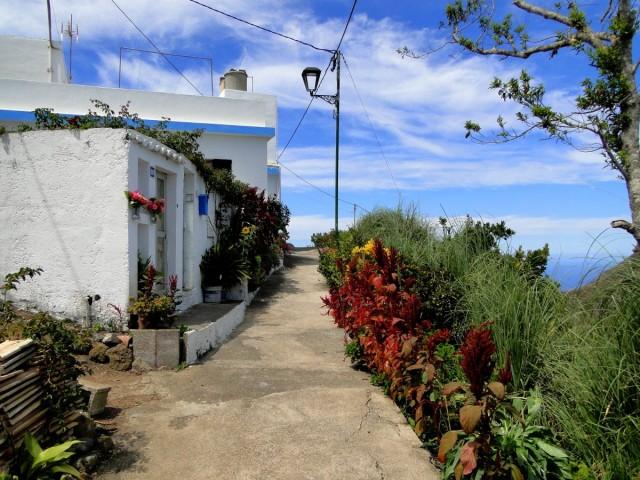 Zdjęcia: Taborno, góry Anaga., Wyspy Kanaryjskie, Teneryfa, Uliczka w małej, górskiej wiosce., HISZPANIA